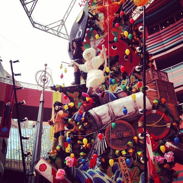 キャナルシティ博多にて。ご覧の飾り山は劇団四季のキャッツだ #like